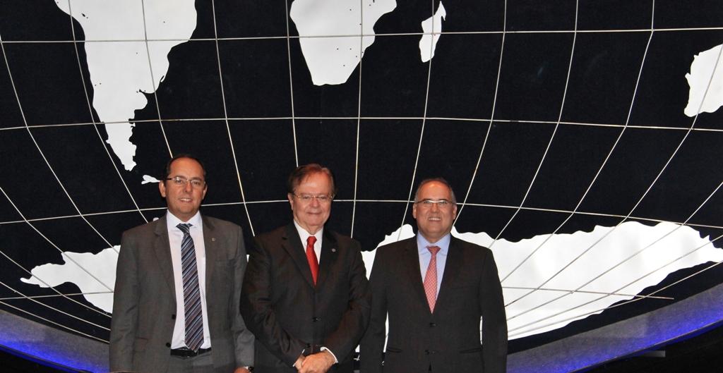 Da esquerda para a direita: Vagner Lacerda Ribeiro, Presidente do CDN – IBEF; Ruy  Coutinho do Nascimento, Presidente do IBEF-DF; João Carlos de Almeida, Primeiro Vice-  Presidente do IBEF-DF.
